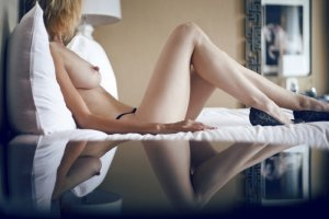 Kessi escort girls