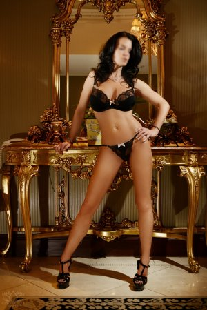 Cathlyne incall escort