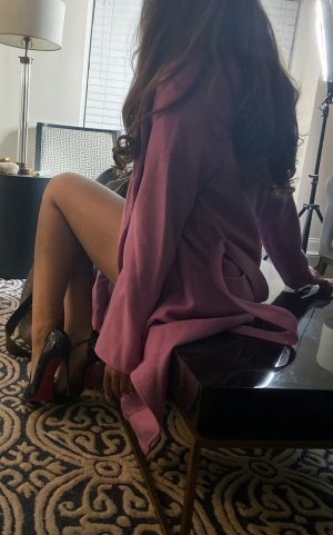 Shainess escort in Walnut California