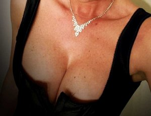 Laure-marie outcall escort