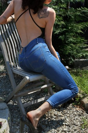 Anne-madeleine escort in Bartlett