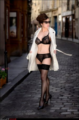 Wijdane outcall escorts in Edwardsville
