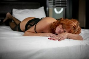 Djouma outcall escorts in Richmond Heights